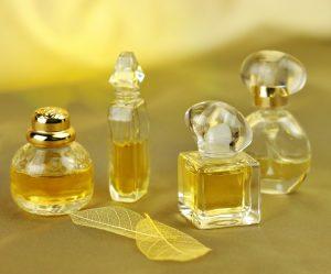 42 allergifremkaldende parfumestoffer er blevet undersøgt af Miljøstyrelsen